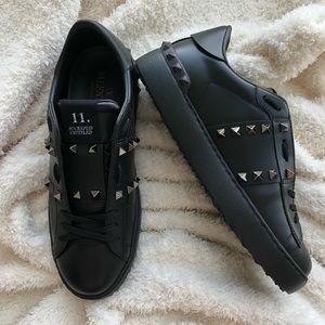 New Valentino Black Leather Rockstud Sneakers